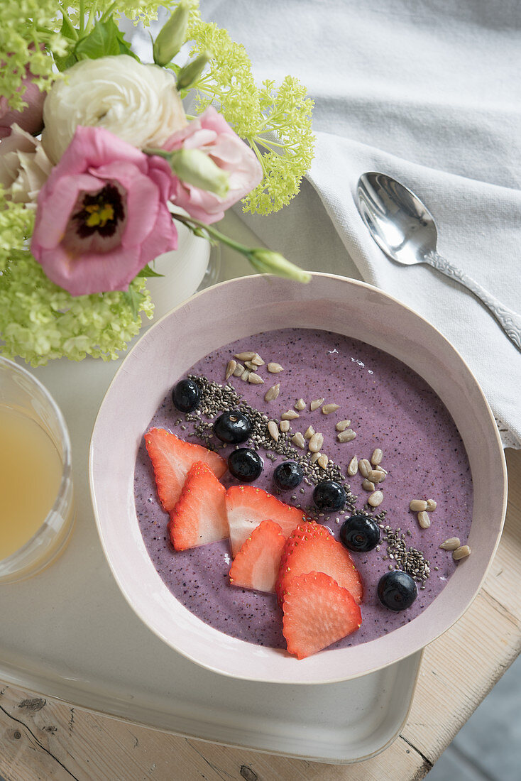Banana and berry smoothie with chia seeds