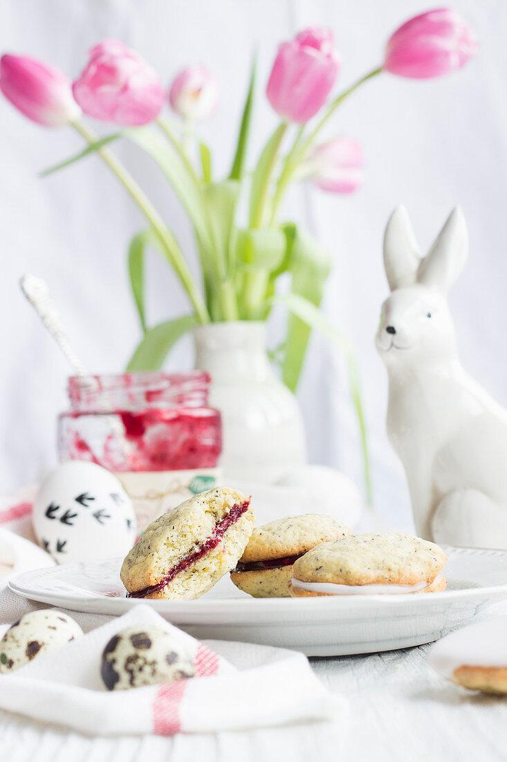 Mohn-Whoopies mit Eierlikör und Schokolade zu Ostern