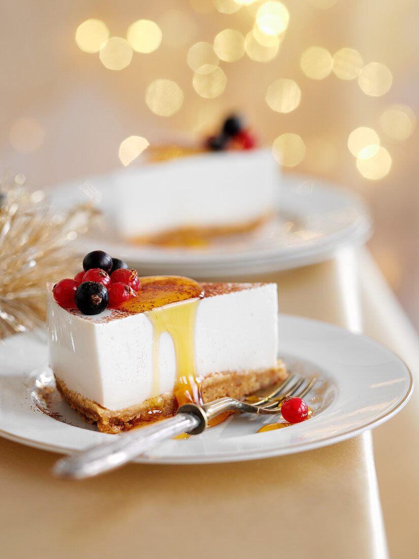 Creamy cheese cake with Baileys and caramel
