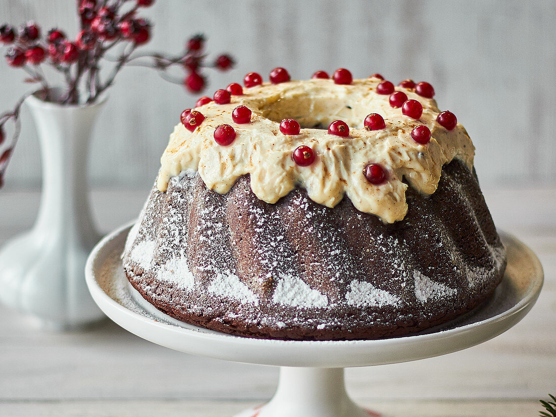 Spiced chocolate cake with gingerbread frosting