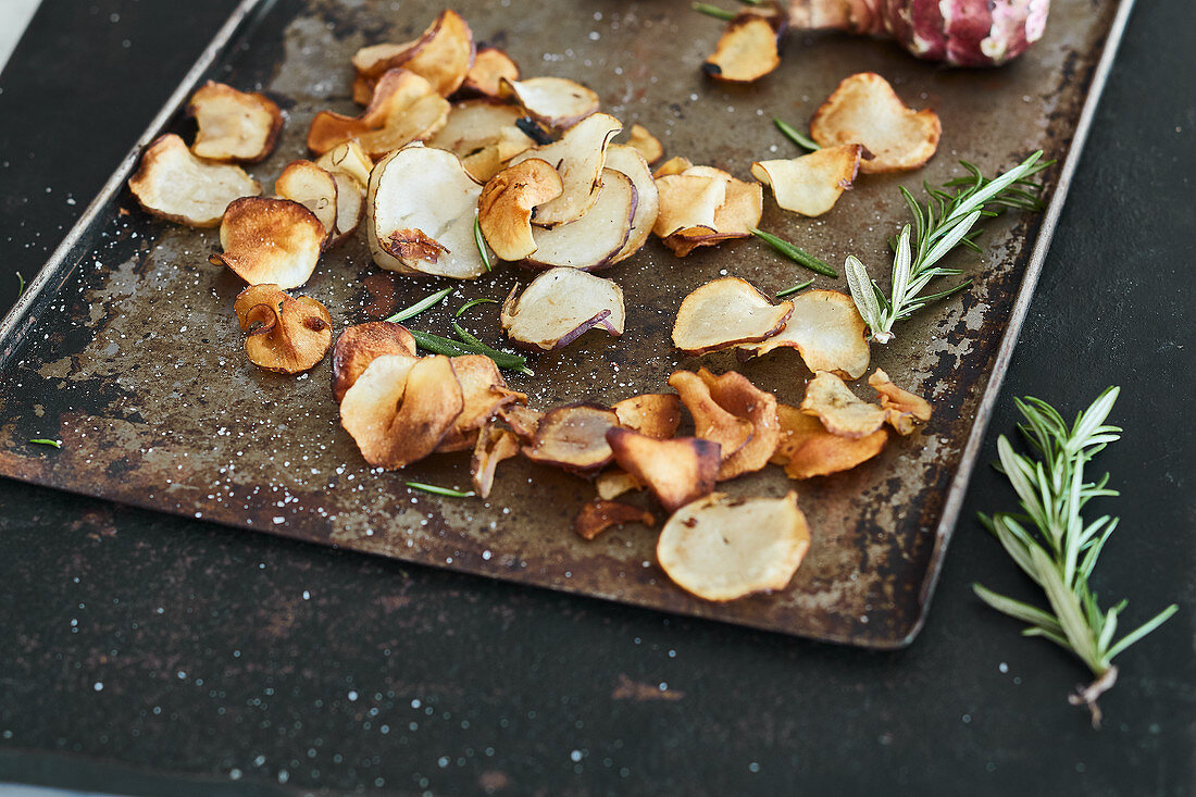Jerusalem artichoke crisps with sea salt and rosemary