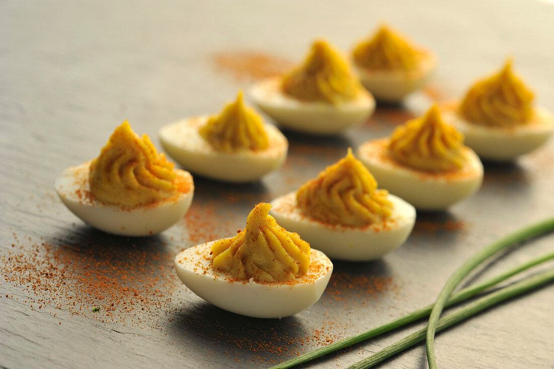 Gefüllte Eier mit Curry