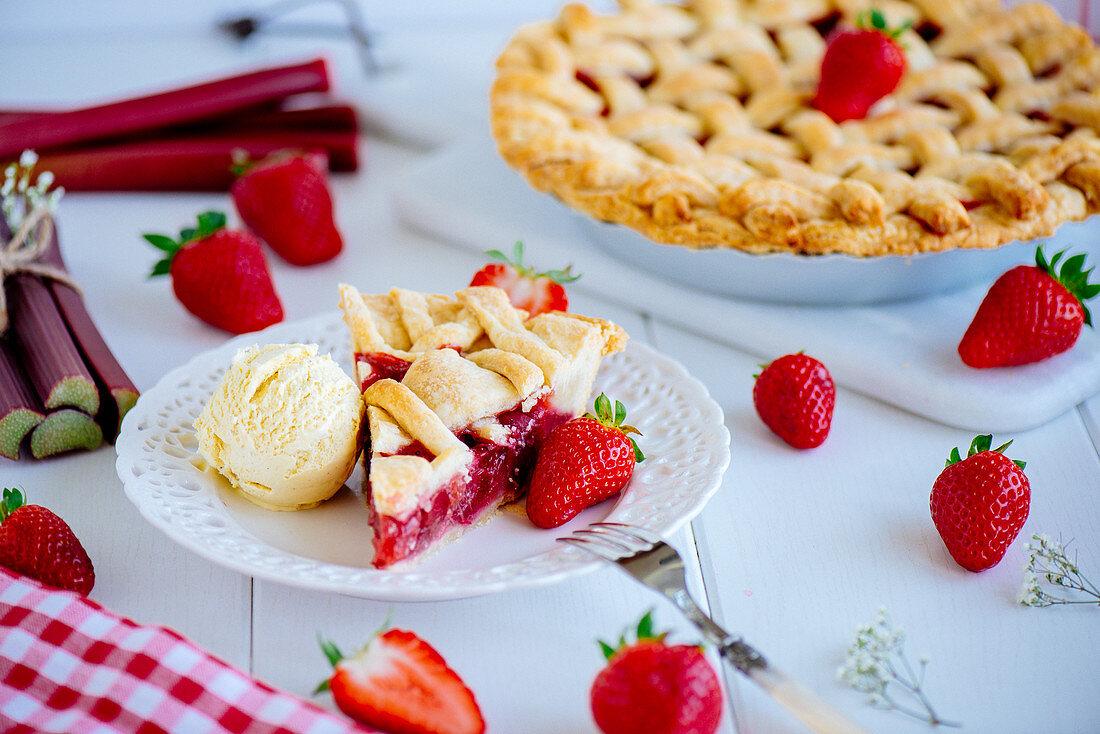 Rhubarb and strawberry pie with vanilla ice cream