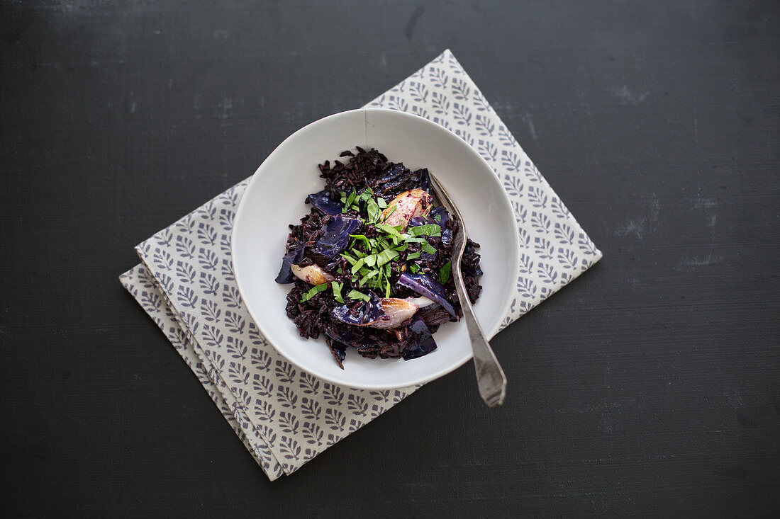 Black rice with fried red cabbage