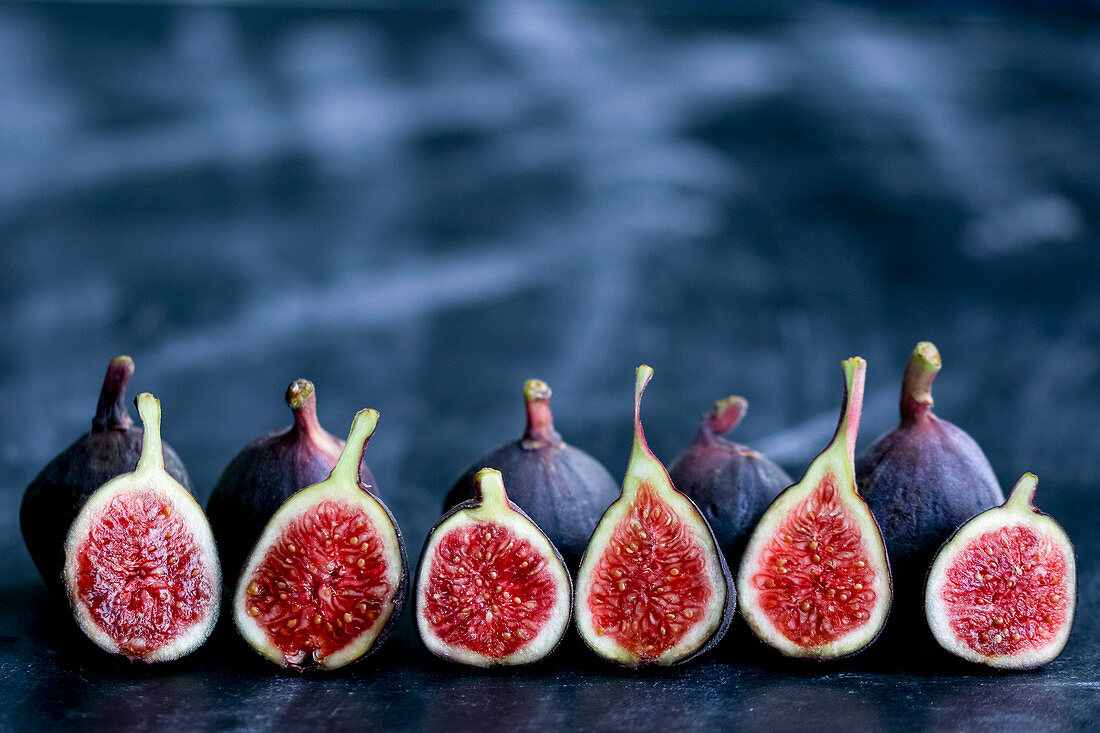 Line of Baby Fresh Figs