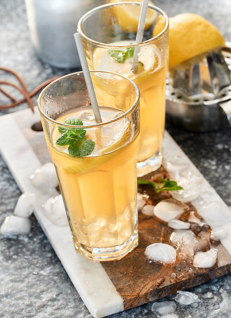 Weight loss drink made from apple vinegar, lemon juice, syrup and ginger