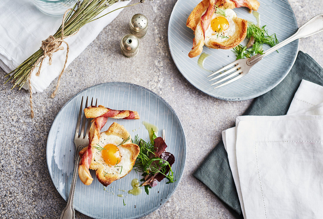 Baked eggs with bacon