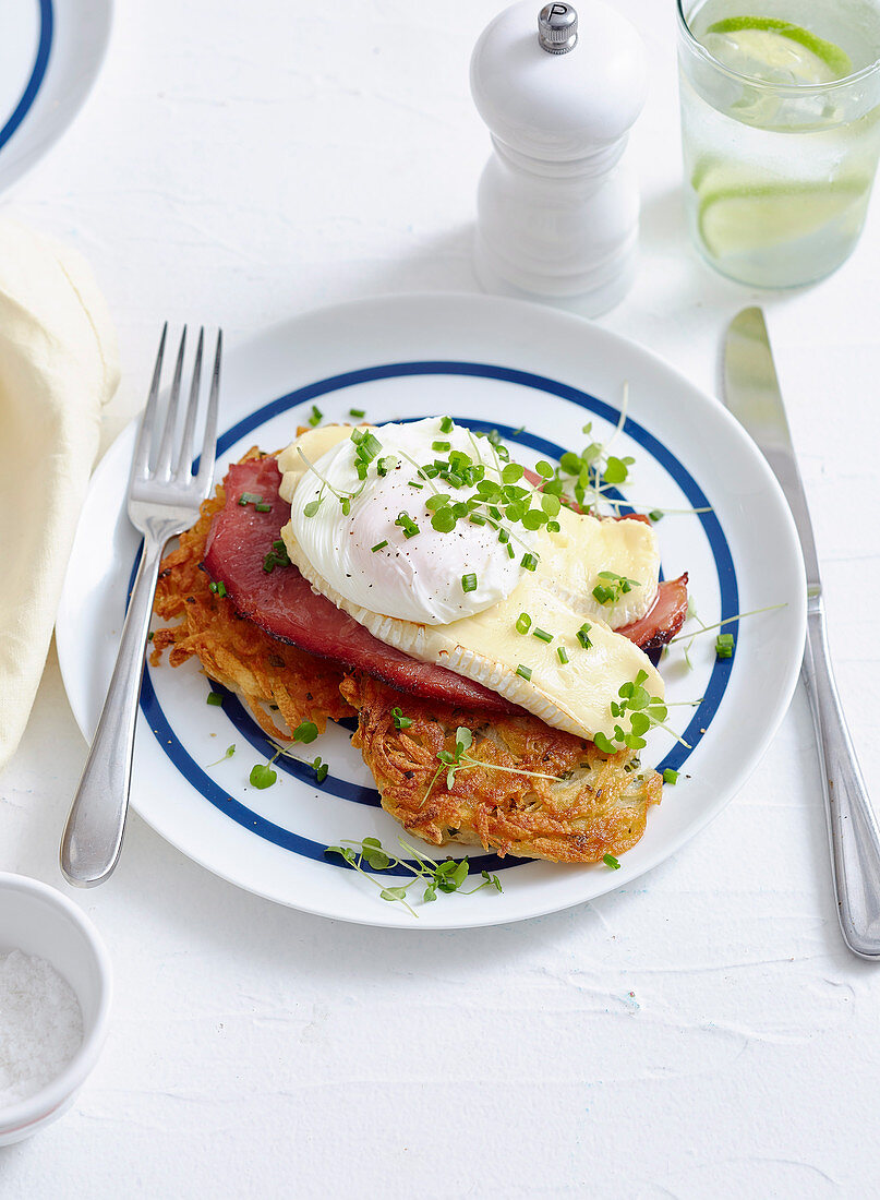 Hash brown with ham and brie