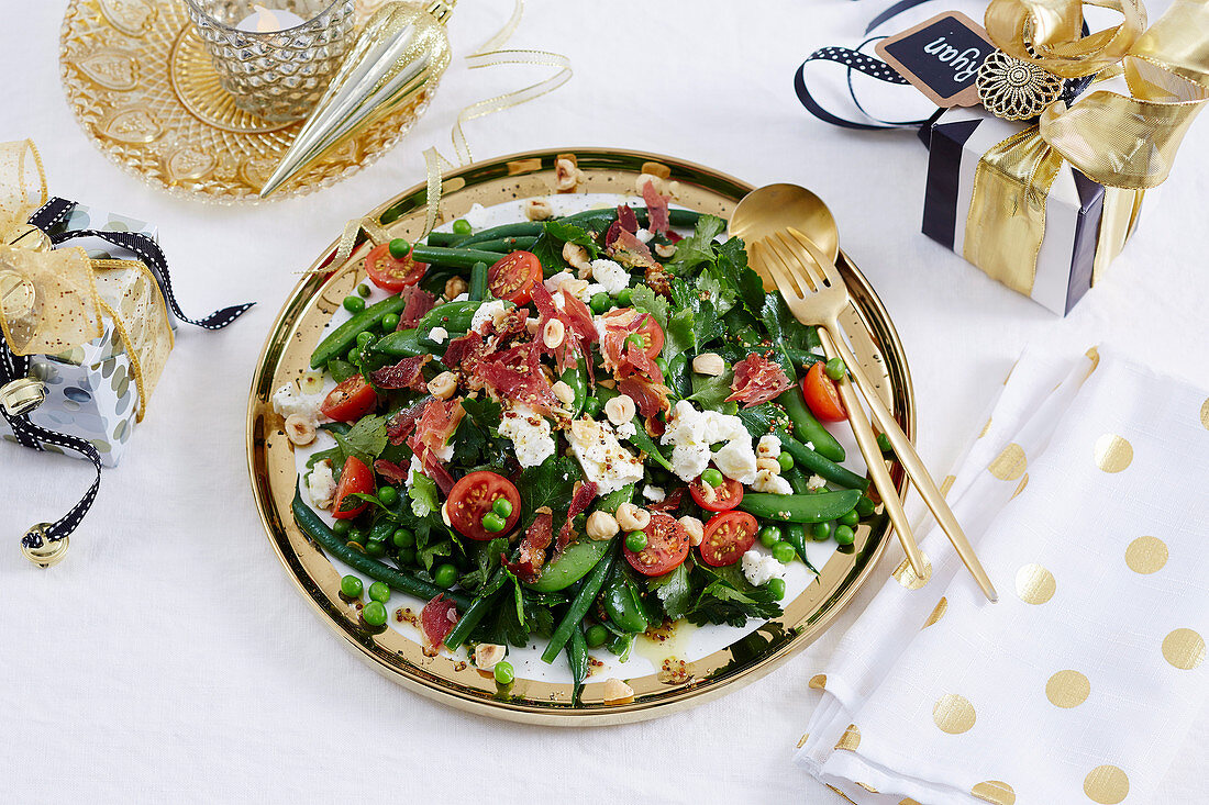 Christmas with Woman s Day - All the trimmings! - Mixed Green Beans, Peas, Hazelnut & Pancetta Salad