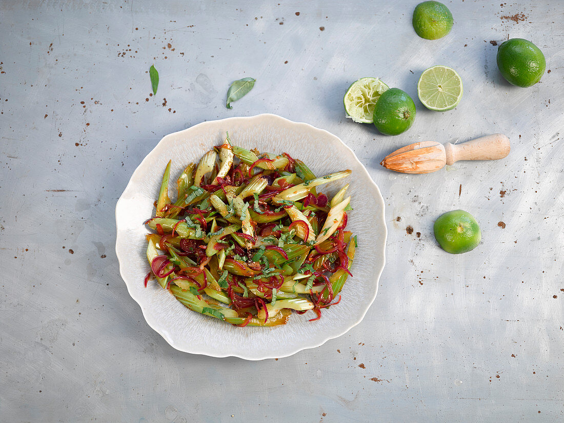Stir fry with celery, red onions and limes (Asia)