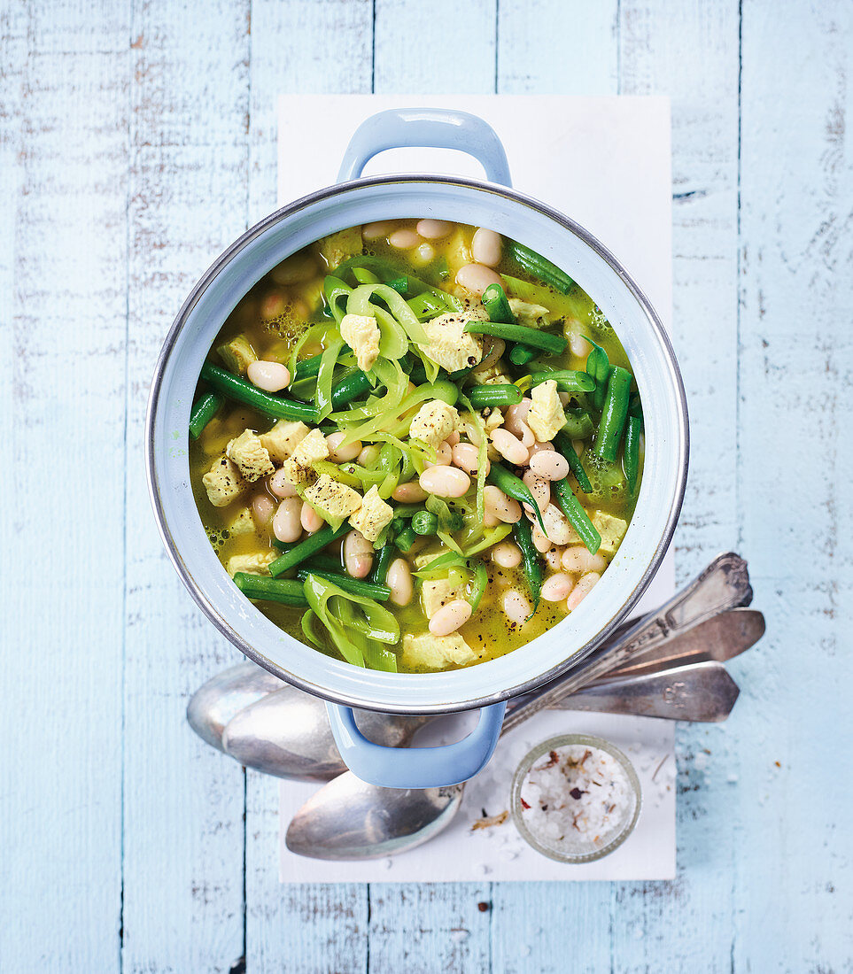 Green and white bean stew (low carb)