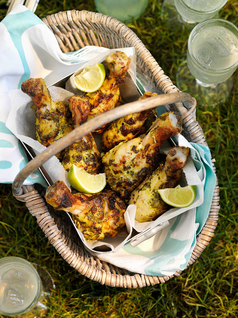 Chicken legs with green curry for a picnic