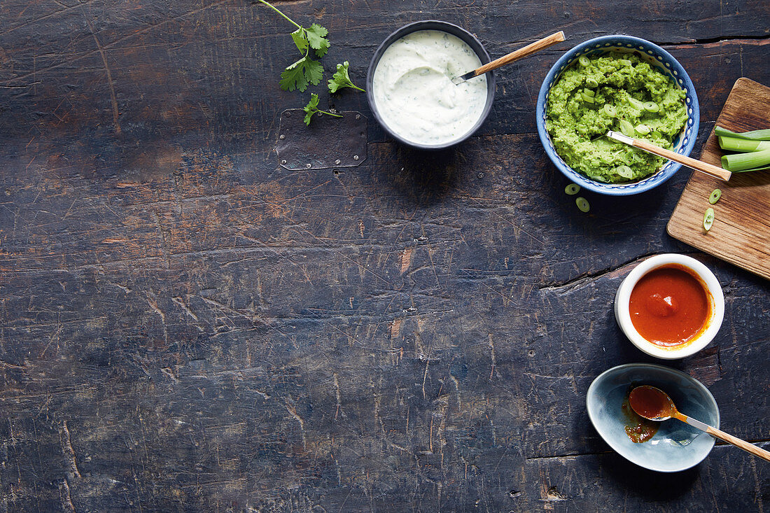 Mojo quark, pea guacamole and low-calorie curry sausage sauce