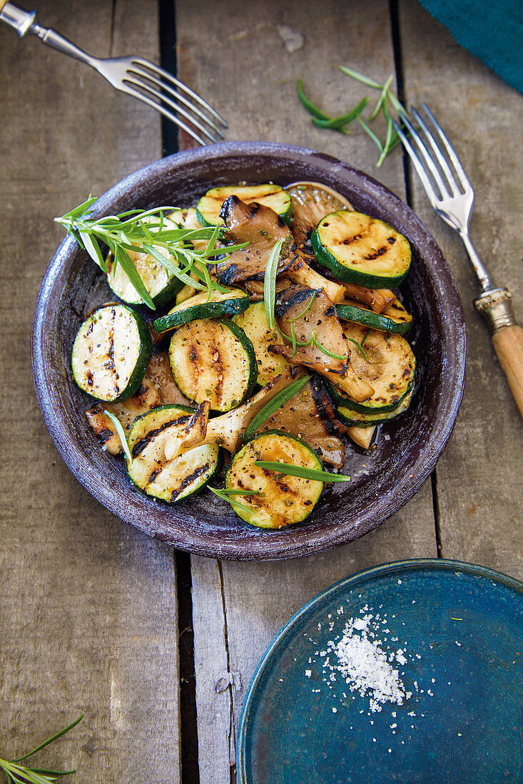 Grilled oyster mushrooms with courgette