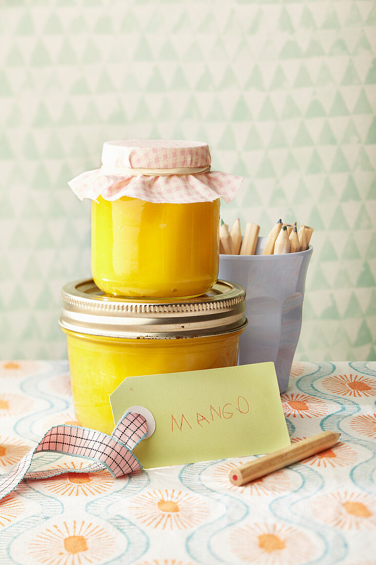 Mango jam as a gift