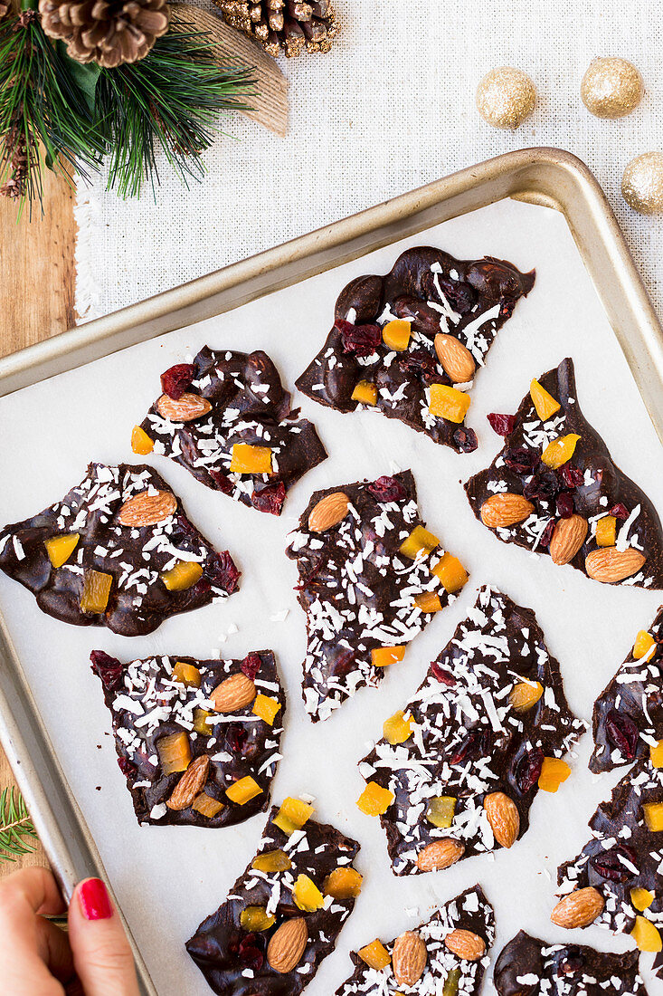 Homemade chocolate bark with almonds and dried fruits