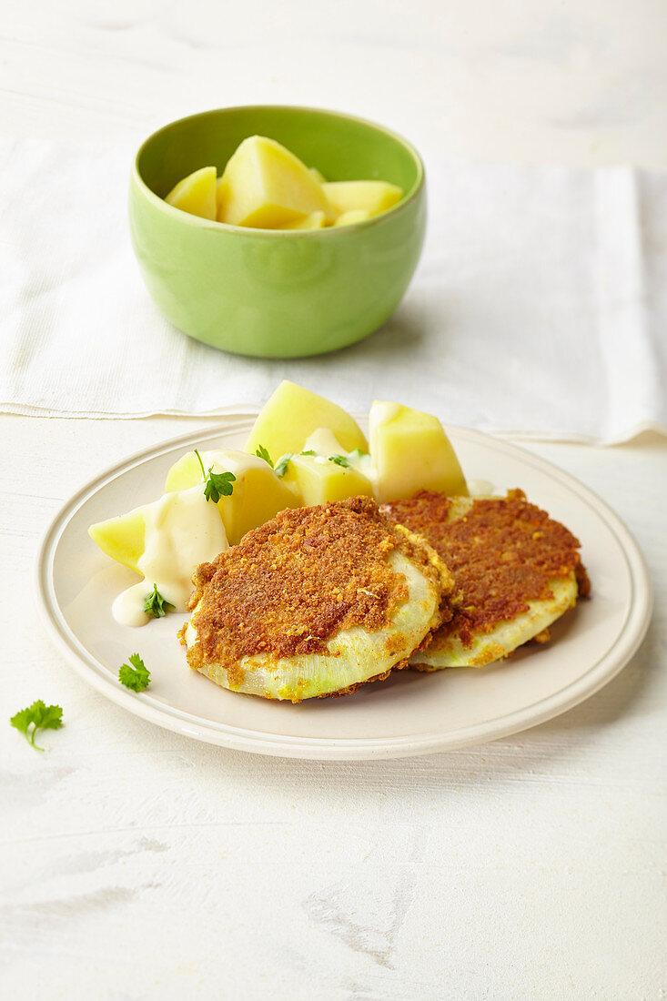 Kohlrabi schnitzels with boiled potatoes