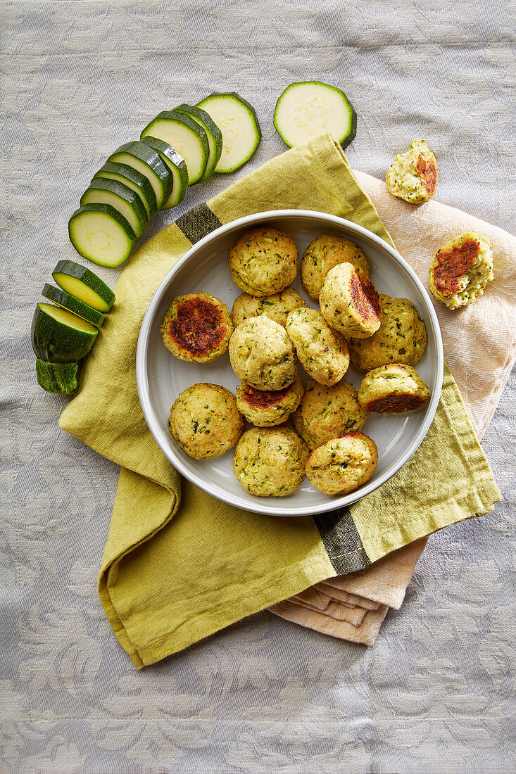 Courgette and cheese balls