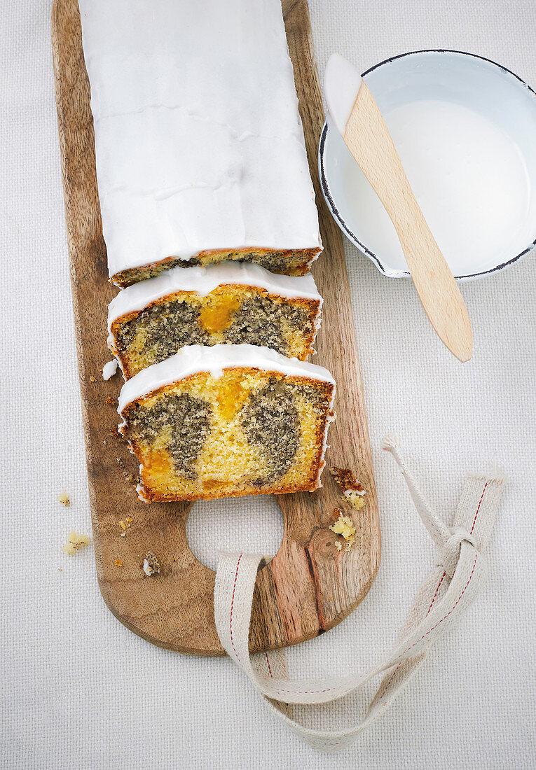 Mandarin and poppyseed loaf cake