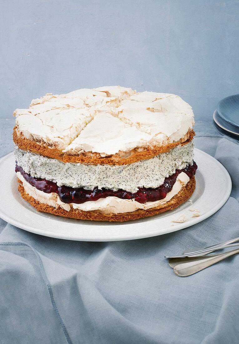 Poppyseed and blackberry cake