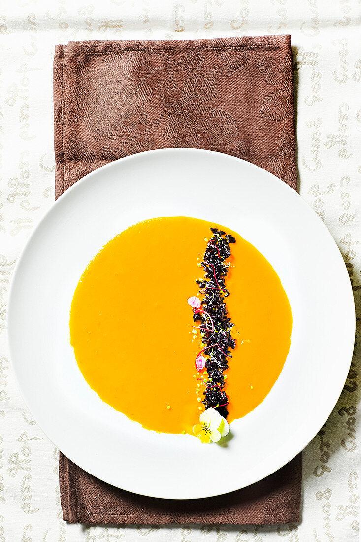 Pumpkin cream with black rice
