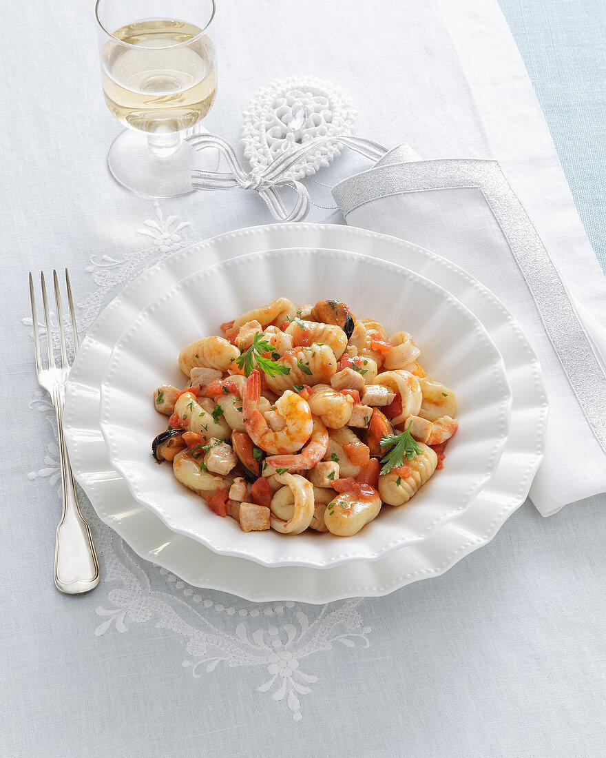 Ricotta-Gnocchi mit Meeresfrüchten (Amalfiküste, Italien)
