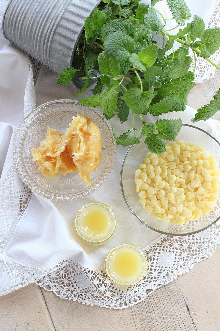 Ingredients for making lemon balm salve