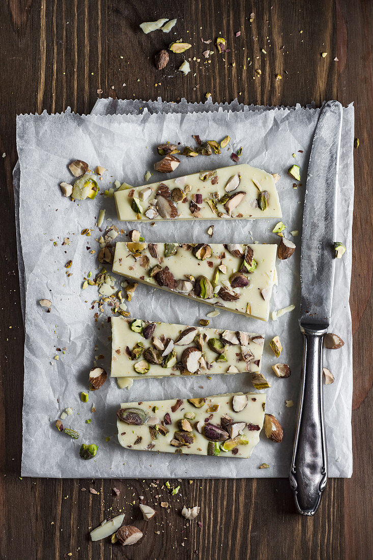 White chocolate with pistachios and almonds