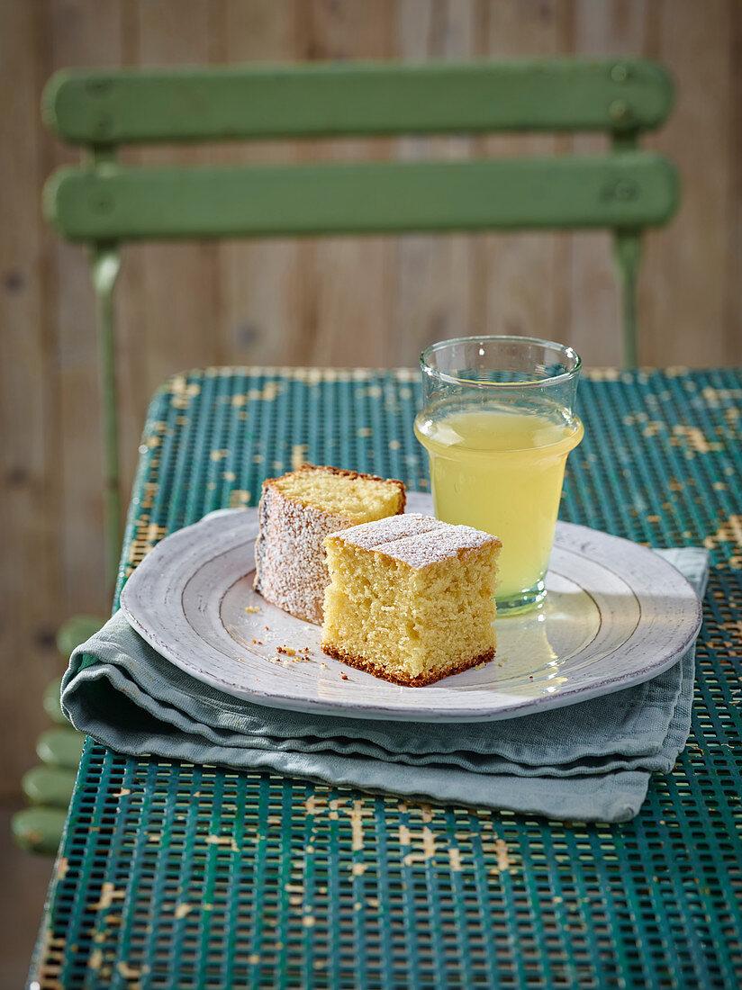 Apple Juice and Almond Cake
