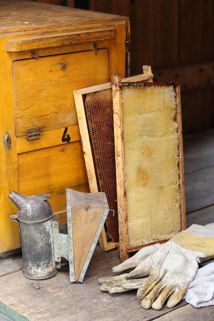 Various tools for beekeeping
