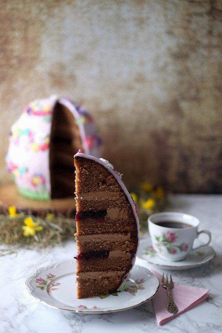 Osterei-Torte mit Baileys, Schokolade und Brombeeren