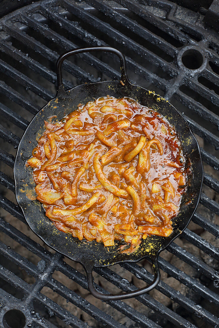 Grilled onions with barbecue sauce