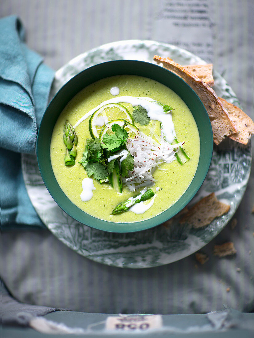 Cream of asparagus soup with coconut milk and green curry