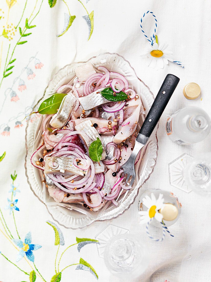 Herring with red onions, bay leaves, red onions and schnapps (Sweden)