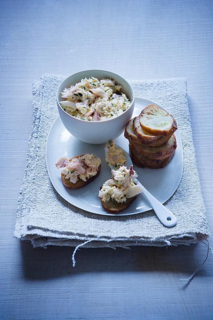 Crostini with smoked pepper mackerel