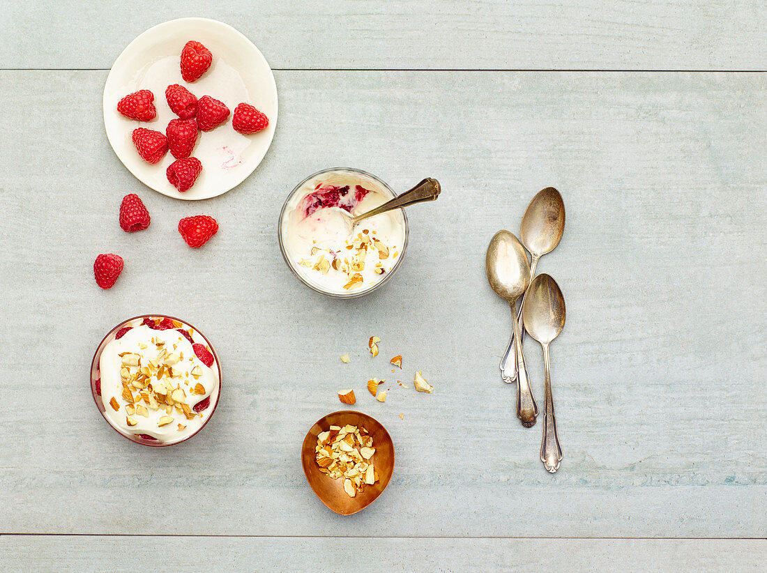 Raspberry and almond trifle (low carb)