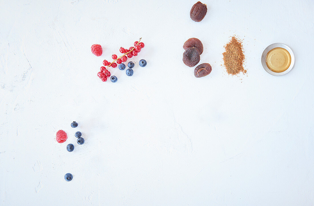 Berries, rice syrup, dried fruit and coconut flower sugar as sugar substitutes