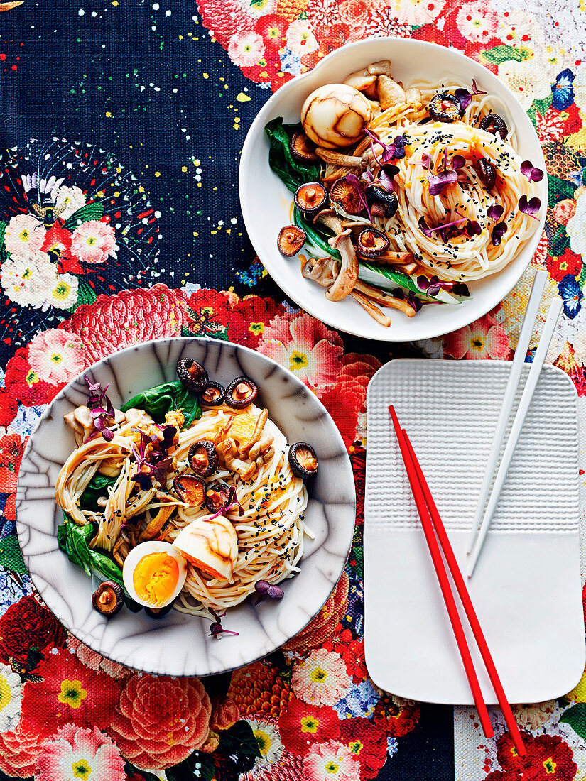 Mixed mushroom noodles with tea-marbled eggs
