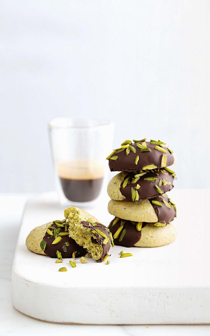 'Amaretti Morbidi' with pistachios and chocolate (gluten-free)