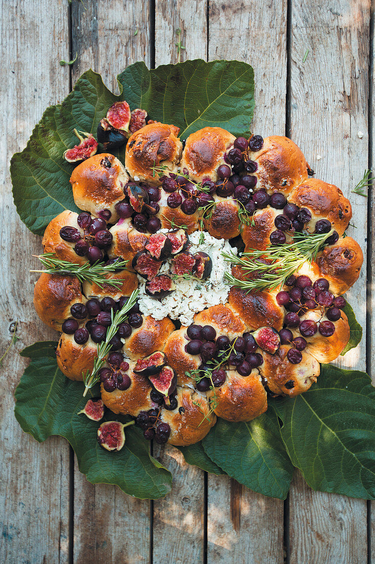 Fruity bread wreath for Thanksgiving with cream cheese dip