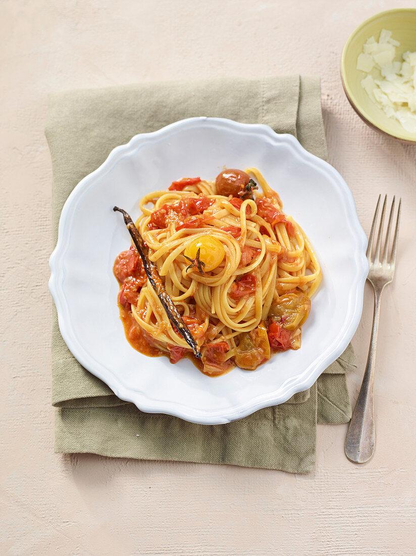 Trenette with tomato and vanilla sauce