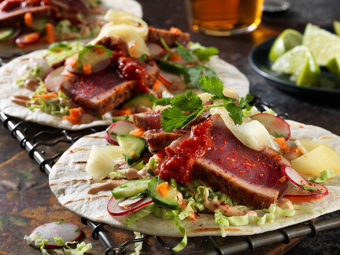 Tacos mit Ahi und eingelegtem Ingwer