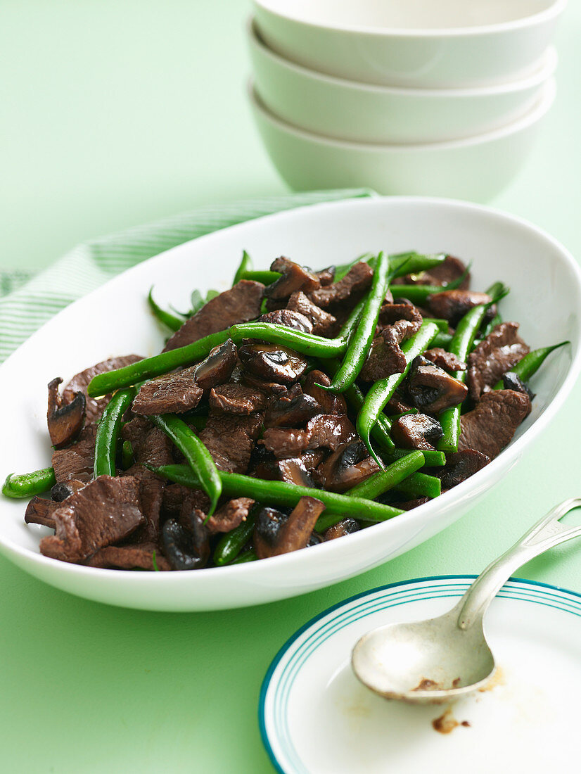Spiced lamb with green beans