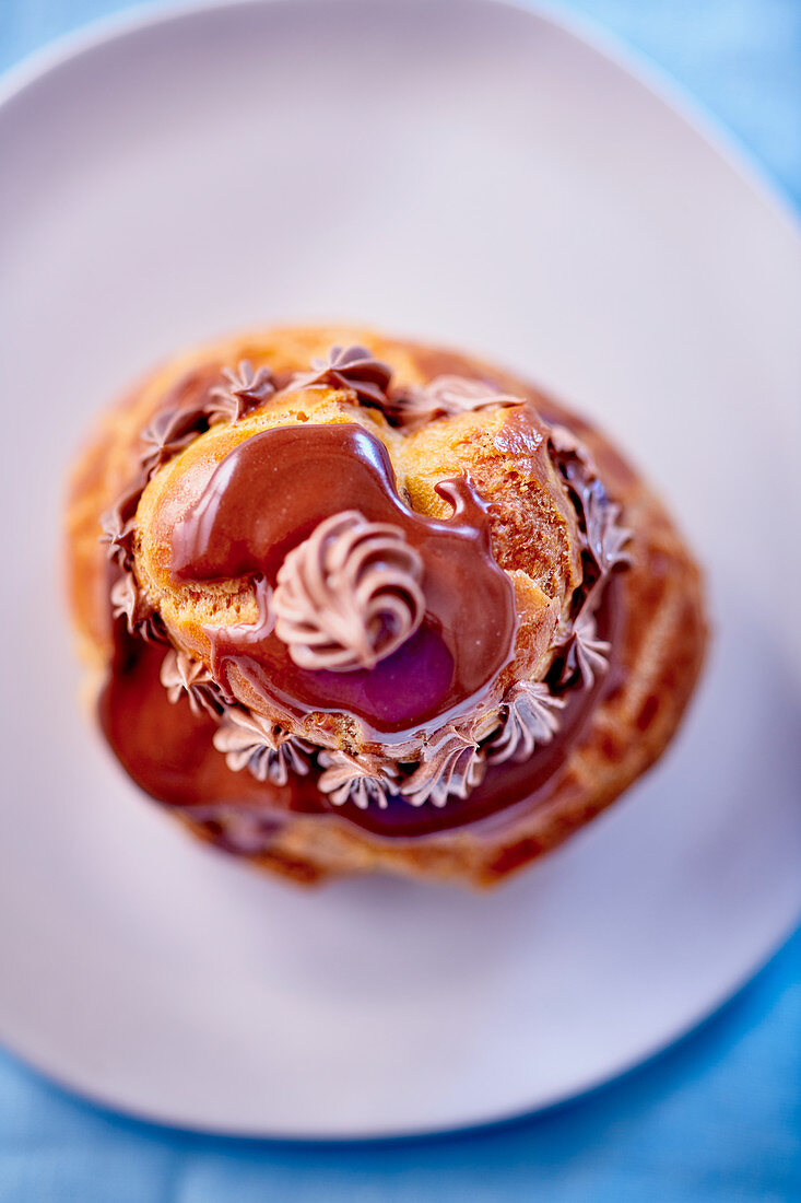 Religieuse au chocolat (French choux pastry)