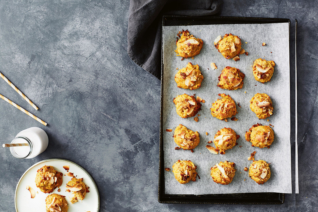 Dairy-free carrot cake cookies