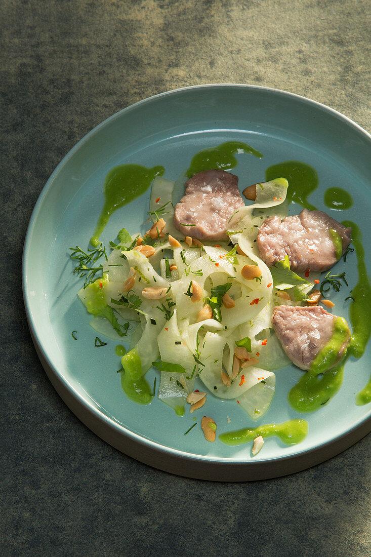 Pork meatballs fried in trehalose with papaya salad