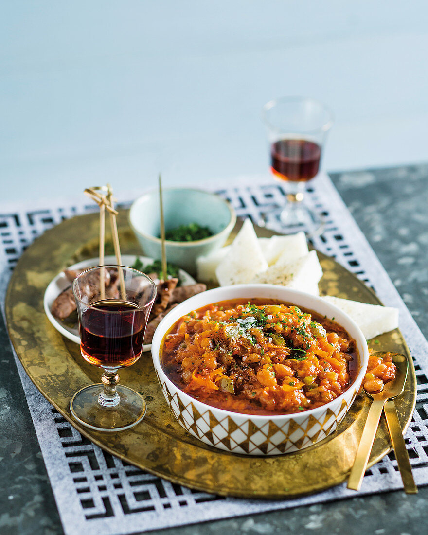 Chakalaka with baked beans (South Africa)