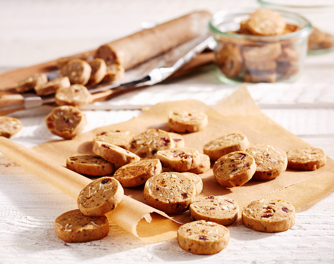 Sugar syrup biscuits with dried fruit
