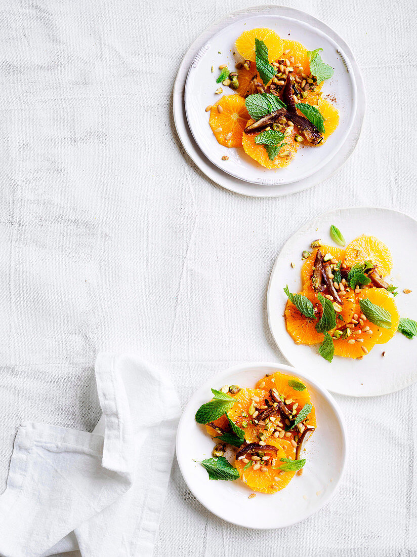 Morocan oranges with dates, nuts, mint and quatre-epices