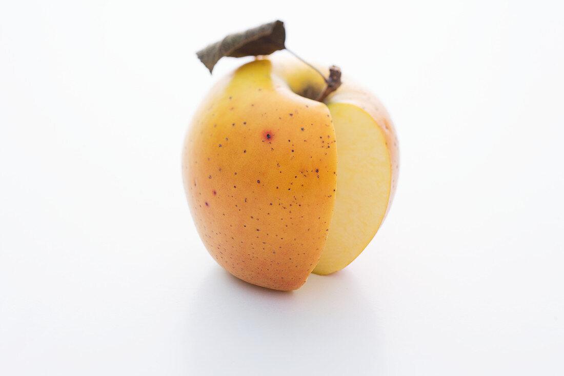 A Goldrush apple, sliced
